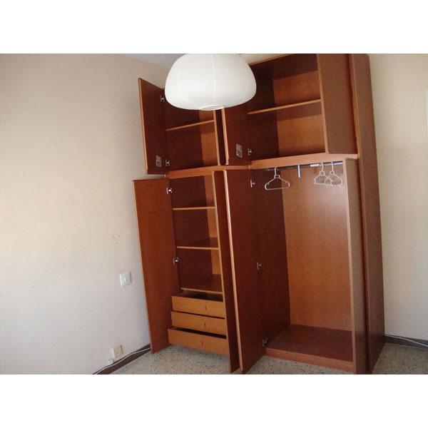 CAMBIO muebles dormitorio armario, cabezal, somier, mesillas, todo
