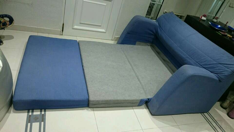 Regalo sill n cama ikea 150 cm ancho for Sofa cama 150 ancho
