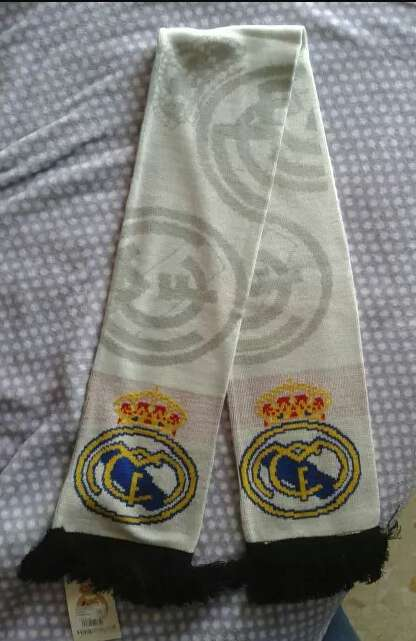 REGALO Bufanda Real Madrid