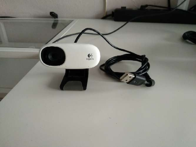 REGALO webcam Logitech 1.3 Mp